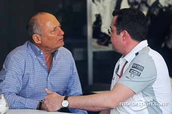 Ron Dennis, McLaren Executive Chairman with Eric Boullier, McLaren Racing Director