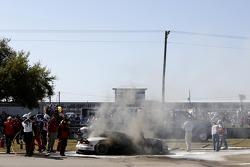 Trouble for the #33 Riley Motorsports SRT Viper GT3-R: Ben Keating, Jeroen Bleekemolen, Sebastiaan Bleekemolen