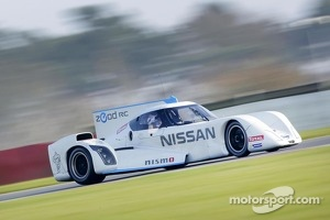 Wolfgang Reip tests the Nissan ZEOD RC