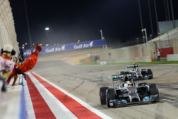 Race winner Lewis Hamilton, Mercedes AMG F1 W05 celebrates at the end of the race ahead of second placed team mate Nico Rosberg, Mercedes AMG F1 W05