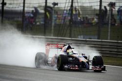 Jean-Eric Vergne, Scuderia Toro Rosso STR9 with DRS open