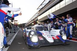Race winner #8 Toyota Racing Toyota TS040-Hybrid: Anthony Davidson, Nicolas Lapierre, Sebastien Buemi