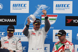 1st position Yvan Muller, Citroen C-Elysee WTCC, Citroen Total WTCC