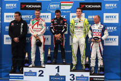 1st position Gianni Morbidelli, Chevrolet RML Cruze TC1, ALL-INKL_COM Munnich Motorsport, 2nd position Tiago Monteiro, Honda Civic WTCC, Castrol Honda WTCC Team, 3rd position Hugo Valente, Chevrolet RML Cruze TC1, Campos Racing, 1st position Yokohama Trop