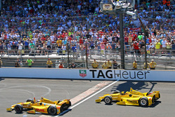 INDYCAR: Ryan Hunter-Reay wins