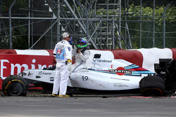 Accident between Felipe Massa, Williams F1 Team, Sergio Perez, Sahara Force India