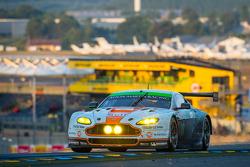 #98 Aston Martin Racing Aston Martin Vantage V8: Paul Dalla Lana, Pedro Lamy, Christoffer Nygaard