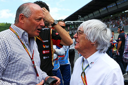 F1: Ron Dennis, McLaren Executive Chairman with Bernie Ecclestone, on the grid