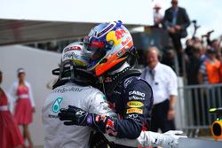 F1: Lewis Hamilton, Mercedes AMG F1 W05 and Daniel Ricciardo, Red Bull Racing RB10