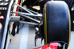 F1: The Lotus F1 E22 with new 18 inch Pirelli tyres and rims