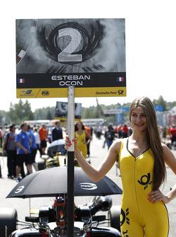 EUROF3: Gridgirl of Esteban Ocon