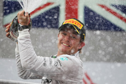 F1: Race winner Nico Rosberg, Mercedes AMG F1 celebrates on the podium