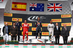 F1: Daniel Ricciardo, Red Bull Racing RB10, Fernando Alonso, Ferrari and Lewis Hamilton, Mercedes AMG F1