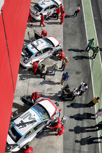 Citroën entries on pitlane