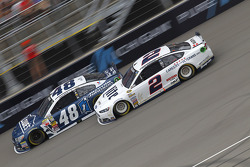 Jimmie Johnson, Hendrick Motorsports Chevrolet and Brad Keselowski, Team Penske Ford