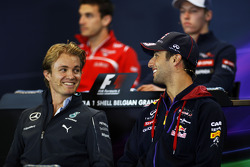F1: (L to R): Nico Rosberg, Mercedes AMG F1 and Daniel Ricciardo, Red Bull Racing in the FIA Press Conference