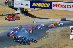 INDYCAR: Start: Sébastien Bourdais and Ryan Briscoe crash