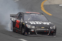 Martin Truex Jr., Furniture Row Racing Chevrolet in trouble