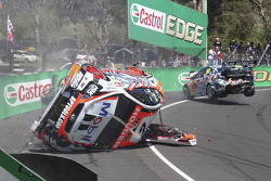 Warren Luff, HRT and Craig Lowndes crash