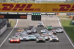 GT Asia: Shanghai race 1 start