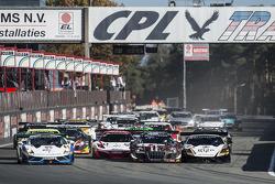 Start: #95 NSC Motorsports Lamborghini LFII: Peter Kox, Nicky Catsburg leads
