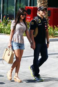 Pastor Maldonado, Lotus F1 Team with his wife Gabriele