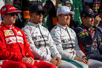 (L to R): Lewis Hamilton, Mercedes AMG F1 and Nico Rosberg, Mercedes AMG F1 at the end of season photograph