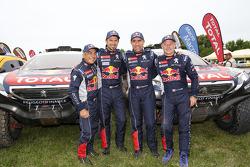 #302 Peugeot: Stéphane Peterhansel, Jean-Paul Cottret, #322 Peugeot: Cyril Despres, Gilles Picard