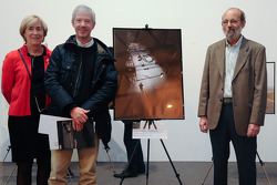 Henri Pescarolo presents the Sarthe Endurance Photos first place in the