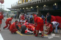 Pitstop practice for team Ferrari and Rubens Barrichello