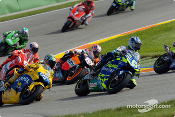 Start: Sete Gibernau and Max Biaggi