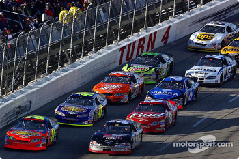 Start: Kurt Busch, Jeff Gordon lead Jimmie Johnson, Dale Earnhardt Jr. and the rest of the field