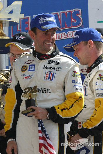 GTS podium: Oliver Beretta and Jan Magnussen celebrate