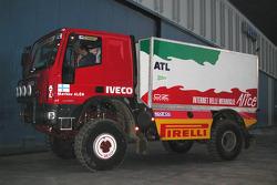 Motorsport Italia team presentation: the Iveco truck