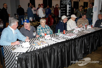 Veteran drivers, ready to sign autographs