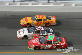 Jeremy Mayfield, Kevin Harvick and Travis Kvapil