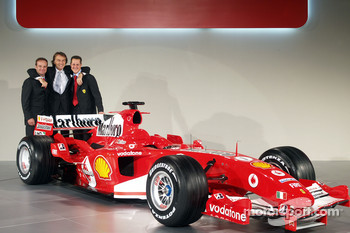 Rubens Barrichello, Luca di Montezemelo and Michael Schumacher with the new Ferrrari F2005