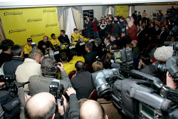 Massive media interest at the press conference: Tiago Monteiro, Colin Kolles Midland Jordan Managing Director, Narain Karthikeyan, Trevor Carlin Jordan Team Principal and Robert Doornbos
