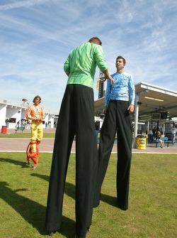 Acrobats entertain fans