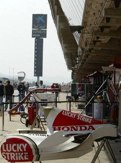 BAR-Honda pit area