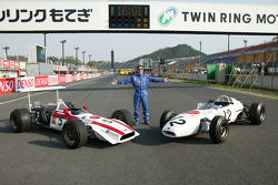 Jeff Bucknum with vintage Honda F1 cars