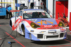 Porsche 911 GT3 RSR of Lieb and Rockenfeller
