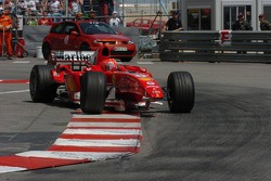 Michael Schumacher with no front wing