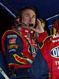 Jeff Gordon's team watches and waits