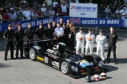 #30 Kruse Motorsport Courage Judd: Phil Bennett, Ian Mitchell, Tim Mullen and team members