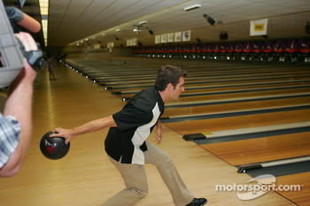 Jeff Gordon bowling tournament