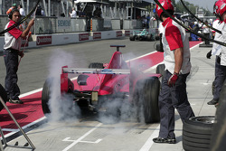 Pitstop for Toni Vilander