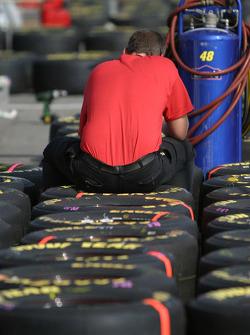 UAW Dodge crew member prepares wheels