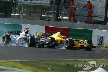 Narain Karthikeyan and Robert Doornbos battle