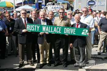 Rusty Wallace Court of Legends induction: Rusty Wallace now an inductee in the Court of Legends